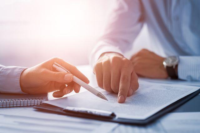 Assinatura do contrato de garantia para execução de licitação de obra
