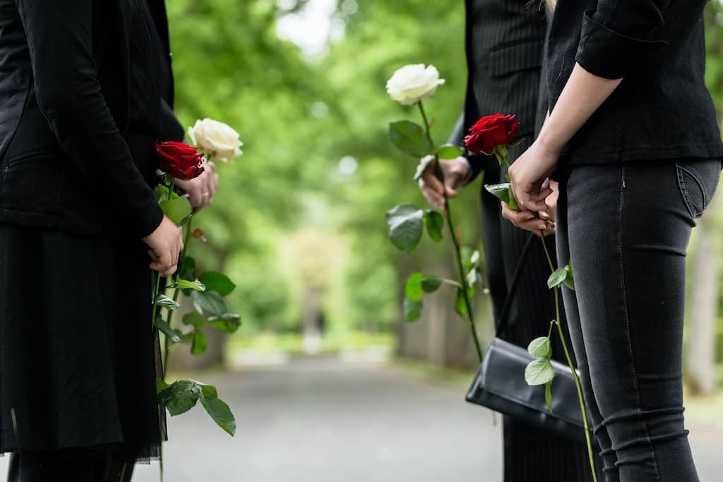 Qual a diferença entre o Auxílio Funeral e a Assistência Funerária?